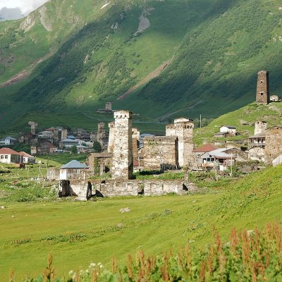 Georgia in 7 days: an ancient village Ushguli with many towers at the foot of the mountain