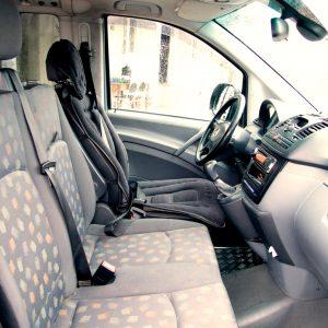 Гостевой дом Вахтанга: вид на салон автомобиля - передняя часть с водительским сидением