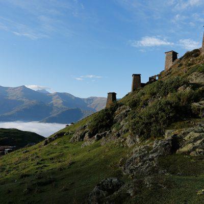 Gruzijos gamtoje: Tušetijo sostinės - Omalo sargybos bokštai ant aukštos kalvos